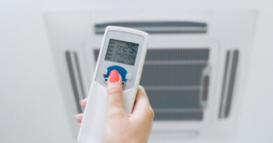 Fjernbetjening styrer varmepumpe